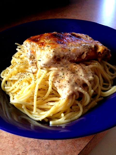 Foodie Friday: Reimagine Pasta with New Prego Alfredo Sauces Plus my Easy Breezy Alfredo Chicken Parmesan Recipe and A GIVEAWAY!!