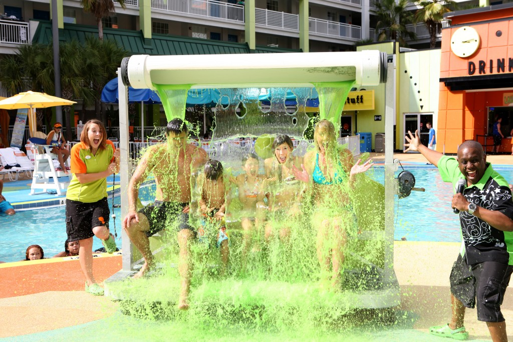 Poolside Entertainment (4)